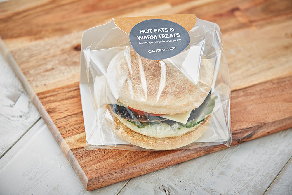 Mushroom burger in packaging co-developed with packaging partners by Flexeserve® for food security and optimum hot-holding in Flexeserve Zone®